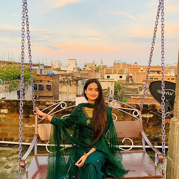 Celebrity Namrata Singh - Tring India