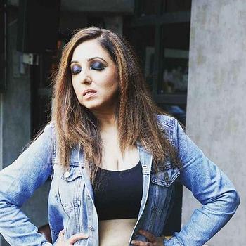 Celebrity Munisha Khatwani - Tring India