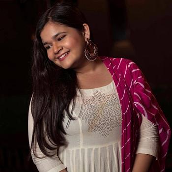 Celebrity Saloni Daini - Tring India