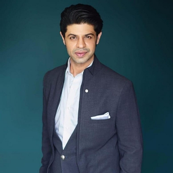 Celebrity Ssumier Pasricha - Tring India