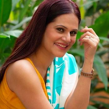 Celebrity Manava Naik - Tring India