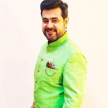 Celebrity Sandeep Kapoor - Tring India