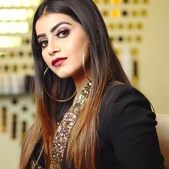 Celebrity Aditi Pandey - Tring India