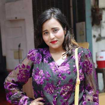 Celebrity Gunjan Dora - Tring India