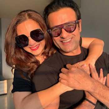 Celebrity Manasi & Rohit Roy - Tring India