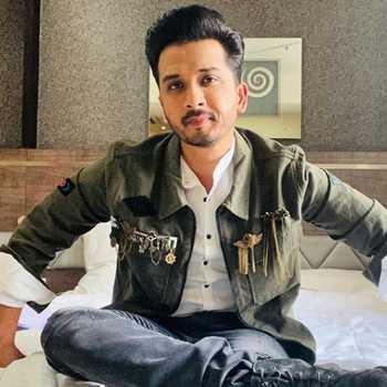 Celebrity Abhijeet Khandkekar - Tring India