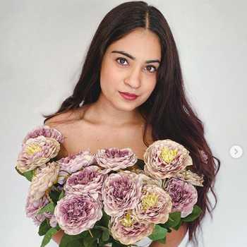 Celebrity Rose Kawatra - Tring India
