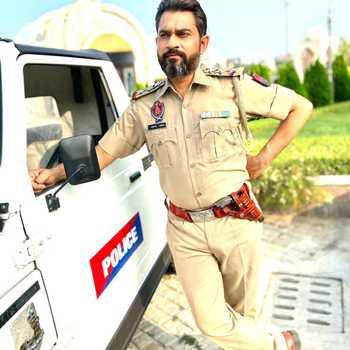 Celebrity Pawan Dhiman - Tring India