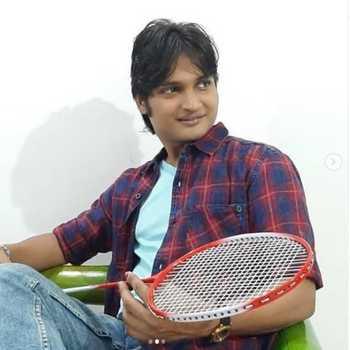 Celebrity Akshay Tak - Tring India