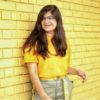 Celebrity Sukriti Grover - Tring India