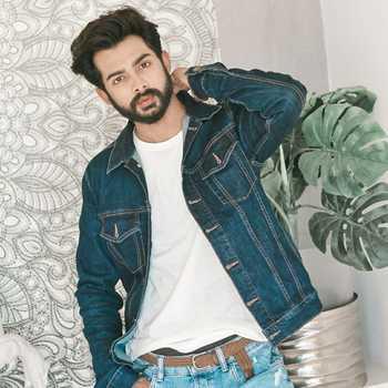 Celebrity Zeeshan Bakhsh - Tring India