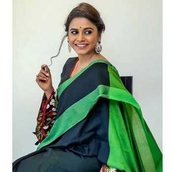 Celebrity Hemangi Kavi - Tring India
