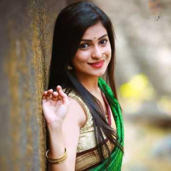 Celebrity Amruta Pawar - Tring India
