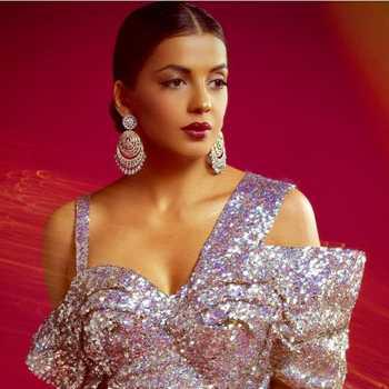 Celebrity Mugdha Veira Godse - Tring India