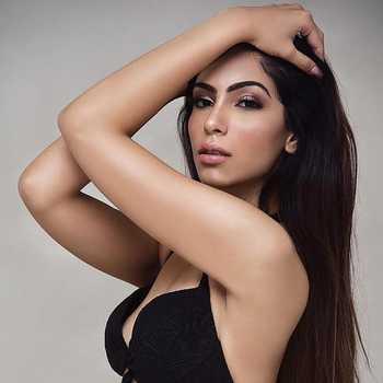 Celebrity Niyamat Nadir - Tring India