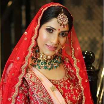 Celebrity Richa Sharma - Tring India
