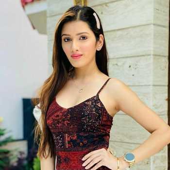 Celebrity Neetu Bisht - Tring India