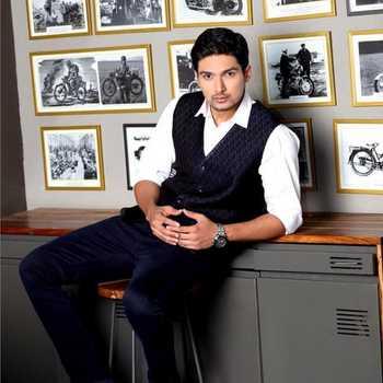 Celebrity Harshad Atkari - Tring India