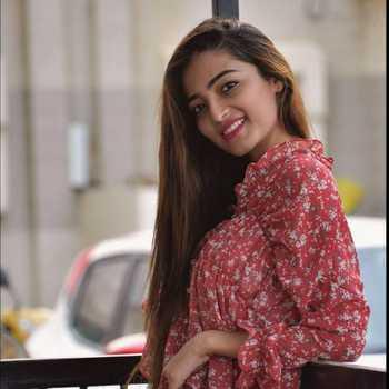 Celebrity Rucha Trivedi - Tring India