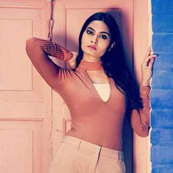 Celebrity Vaani Sharma - Tring India