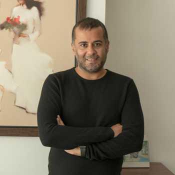 Celebrity Chetan Bhagat - Tring India