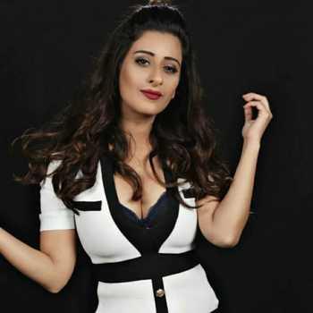 Celebrity Cheshta Bhagat - Tring India