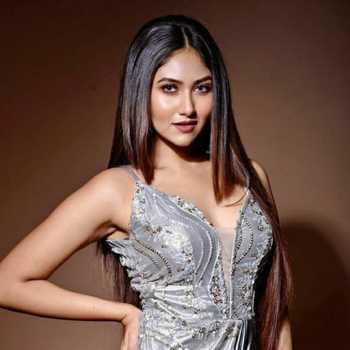 Celebrity Antasheela Ghosh - Tring India