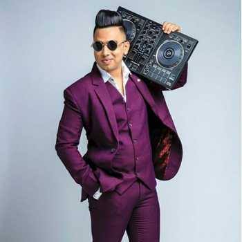 Celebrity Aaron Aamir - Tring India
