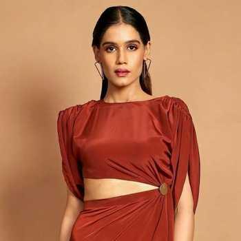 Celebrity Divya Kasliwal - Tring India