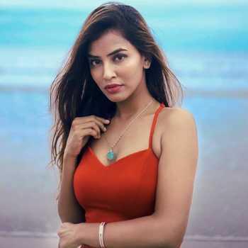 Celebrity Sameeksha Takke - Tring India