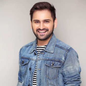 Celebrity Siddharth Chandekar - Tring India