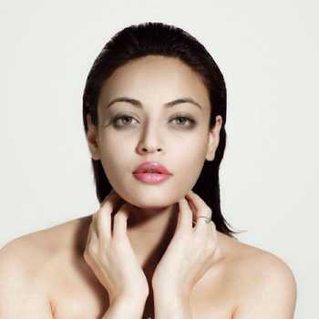 Celebrity Sneha Ullal - Tring India