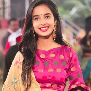 Celebrity Payal Panchal - Tring India