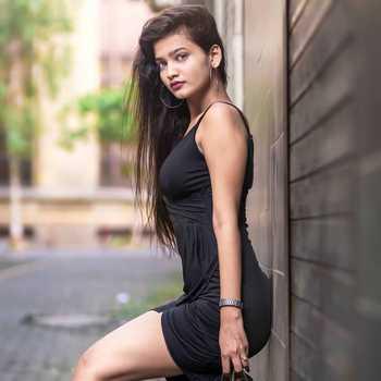 Celebrity Samiksha Wavhal - Tring India