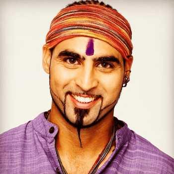 Celebrity Harry Josh - Tring India