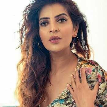 Celebrity Seema Kadam - Tring India