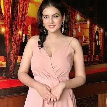 Celebrity Isha Gupta - Tring India