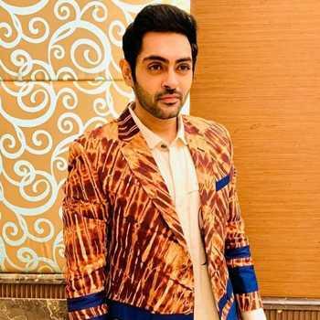 Celebrity Karan Singh Chhabra - Tring India