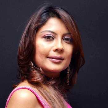 Celebrity Maninee De - Tring India
