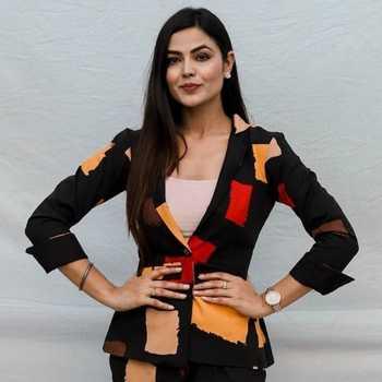 Celebrity Sonia Kour - Tring India