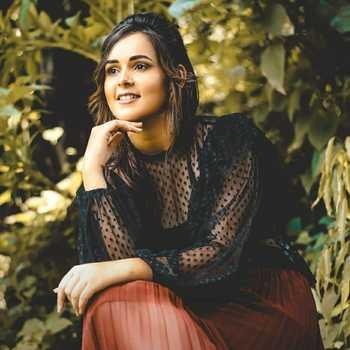 Celebrity Anjita Poonia - Tring India