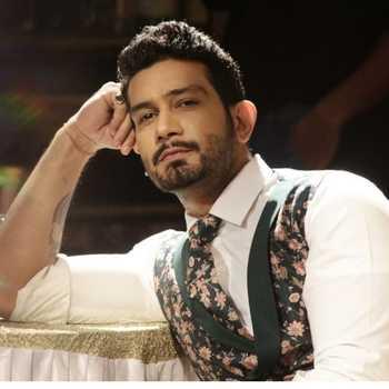 Celebrity Vineet Kumar - Tring India
