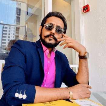 Celebrity Hitesh Kaneria - Tring India