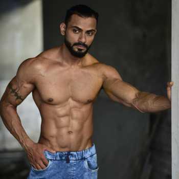 Celebrity Mohammed Akram - Tring India