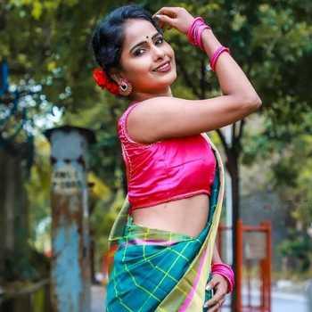 Celebrity Minakshi Poshe - Tring India