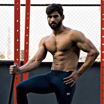 Celebrity Vincent Vivek - Tring India