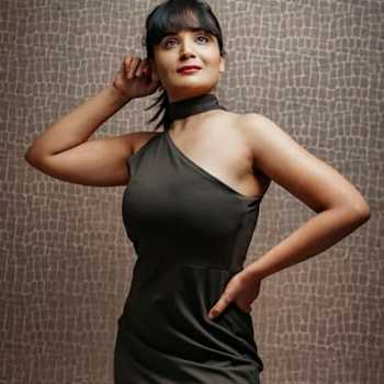 Celebrity Aadita Jain - Tring India