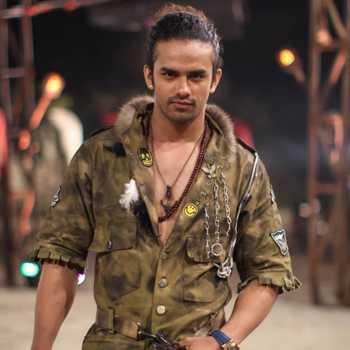 Celebrity Akash Verma - Tring India