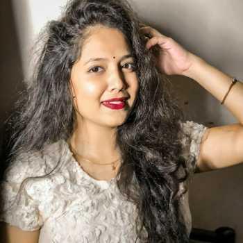 Celebrity Trupti Rane - Tring India