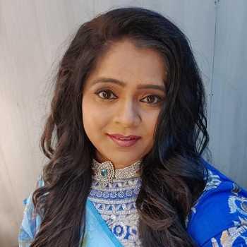 Celebrity Vishakha Subhedar - Tring India